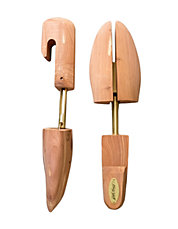 Woodlore Cedar Shoe Trees