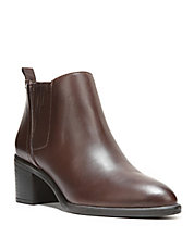 Emerge Leather Ankle Boots