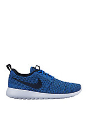 Roshe One Flyknit Sneakers