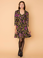 Vintage Floral Sweetheart Neckline Dress