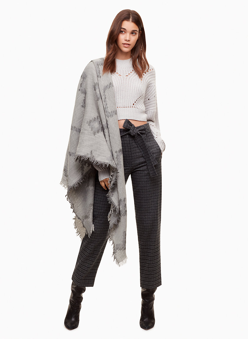 aritzia diamond mosaic scarf how to wear