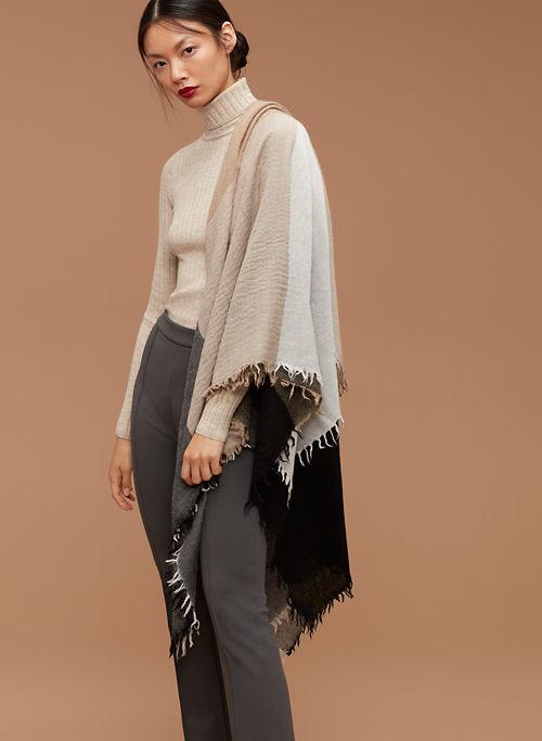 COLOURBLOCK BLANKET | Aritzia