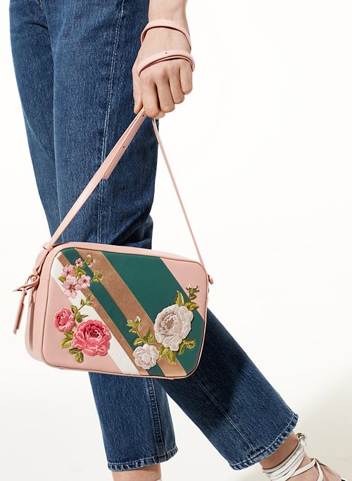AVERCAMP CROSSBODY | Aritzia