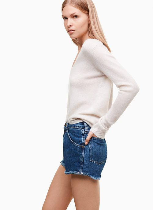 CUT OFF SHORT | Aritzia