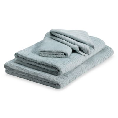 Santens Ribbed Bath Towel in Mineral
