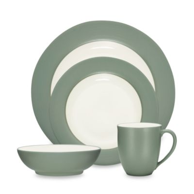 Noritake® Colorwave Green Rim 4-Piece Place Setting