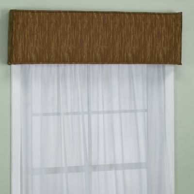Nicole Saddle Window Cornice