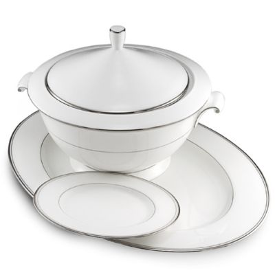 Gothic Platinum Covered 1-Quart Casserole