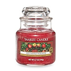 Yankee Candle® Housewarmer® Red Apple Wreath™ Small Classic Candle Jar
