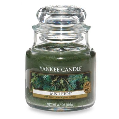 Yankee Candle® Housewarmer® Mistletoe™ Small Classic Candle Jar