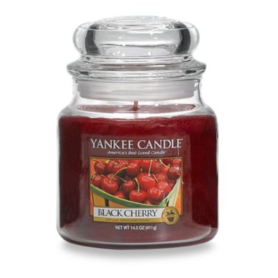Yankee Classic® Housewarmer® Black Cherry Medium Classic Jar Candle