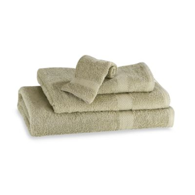 Simply Soft Bath Towel in Green