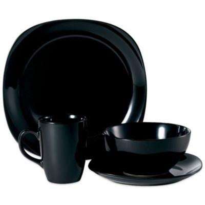 Quadro 16-Piece Dinnerware Set in Black