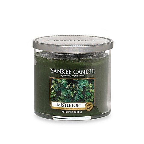 Yankee Candle® Housewarmer® Mistletoe™ Medium Lidded Candle Tumbler