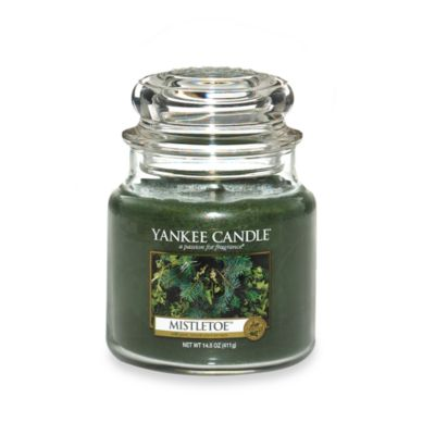 Yankee Candle® Housewarmer® Mistletoe™ Medium Classic Candle Jar