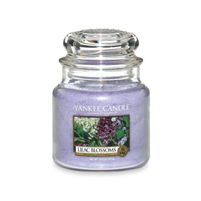 Yankee Candle® Lilac Blossoms Medium Classic Jar Candle