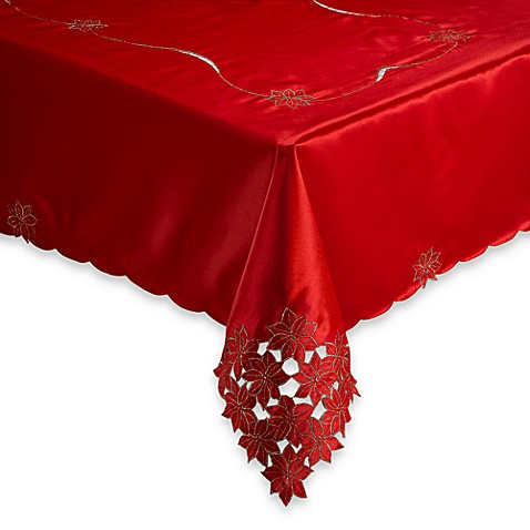 Poinsettia Cluster 70-Inch Round Tablecloth