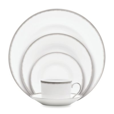 Wedgwood® Silver Aster 5-Piece Dinnerware Set