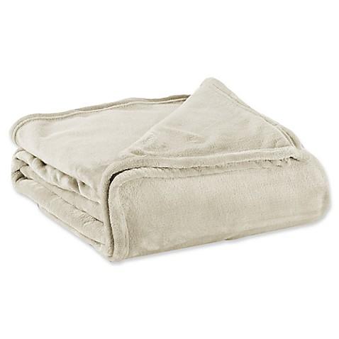 Great Bay Home Portland Ultra Plush Full/Queen Blanket in Eggnog