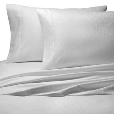 Palais Royale™ 630 Geo Queen Sheet Set in White Geo