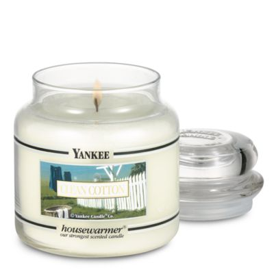 Yankee Candle® Housewarmer® Clean Cotton® Medium Classic Candle Jar