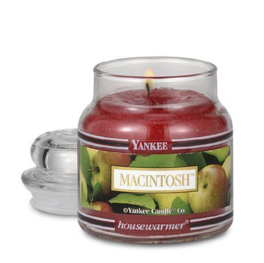 Yankee Candle® Housewarmer® Macintosh Small Classic Candle Jar