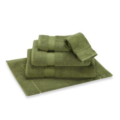 Wamsutta® Duet Hand Towel in Grasshopper