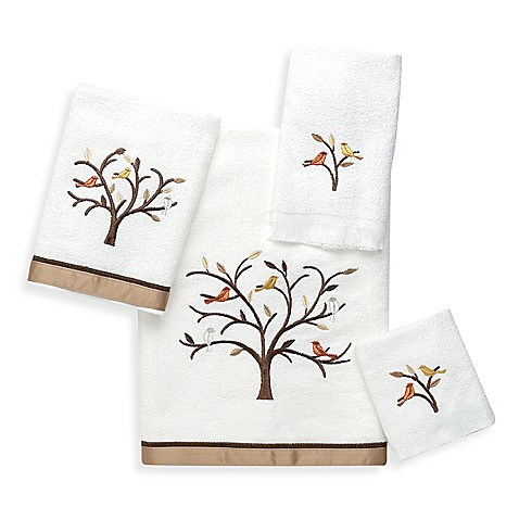 Avanti Friendly Gathering Bath Towels