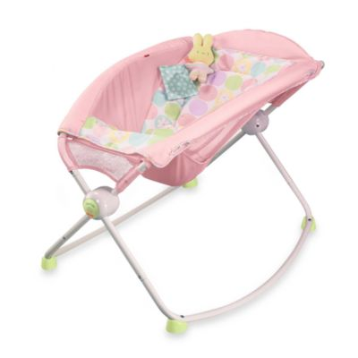Newborn Rock N' Play Sleeper in Pink Daisies