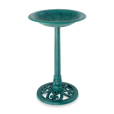 Pedestal Bird Bath in Verdi Gris