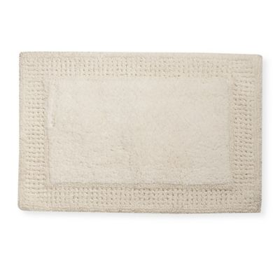 Elizabeth Arden® 1-Foot 5-Inch x 2-Foot Bath Rug in Ivory