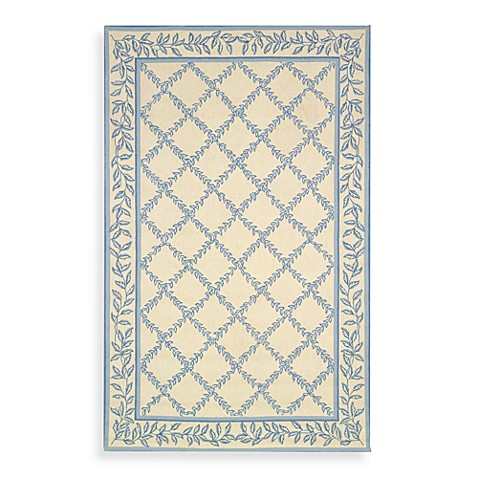 "Safavieh Chelsea Ivory and Light Blue Wool 4' 6"" x 6' 6"" Oval Rug"