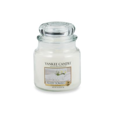 Yankee Candle® Fluffy Towels™ Medium Classic Candle Jar