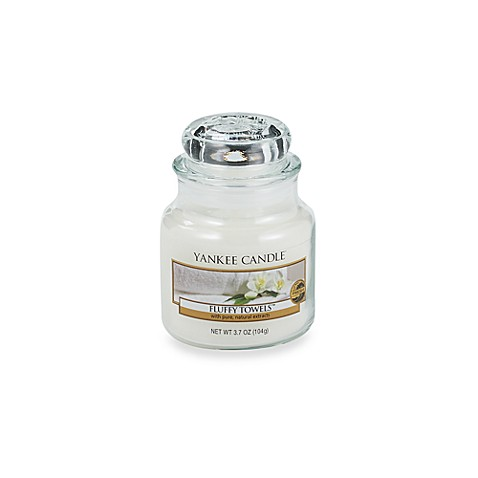 Yankee Candle® Fluffy Towels™ Small Classic Candle Jar