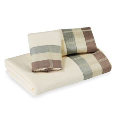 Croscill Fairfax Aqua Hand Towel