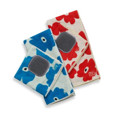 MU Kitchen™ Poppy Kitchen Towel in Blue Poppy