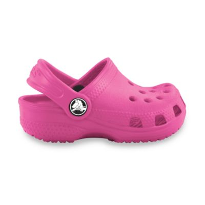 Crocs™ Kids-Foot Crocs Littles™ Classic Size 2-3 in Fuschia