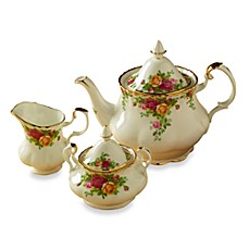 Royal Albert 3-Piece Tea Set in Old Country Roses