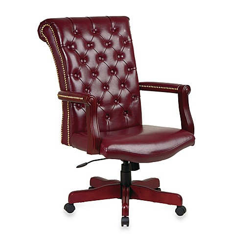 Traditional Executive Leather Chair with Padded Arms