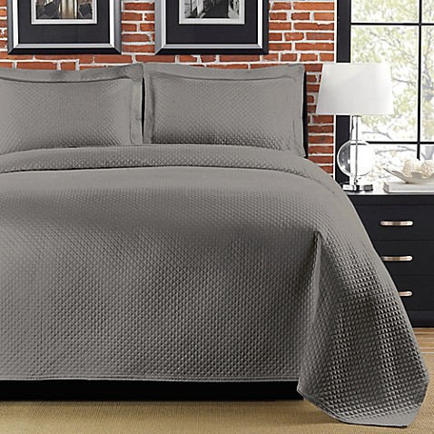 Diamante Matelasse Coverlet in Gray