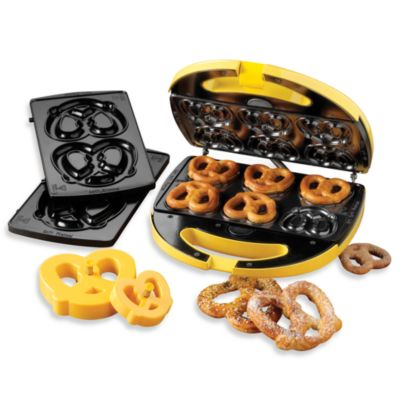 Nostalgia Electrics™ Soft Pretzel Factory