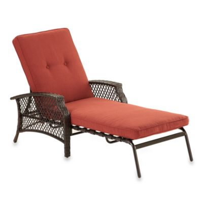 Stratford Wicker Padded Chaise Lounge in Red