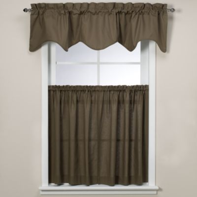 Logan Scallop Valance in Green
