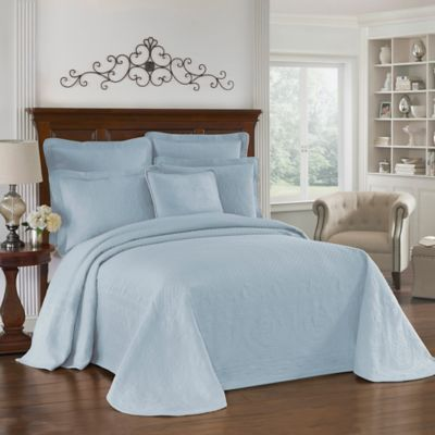 King Charles Matelasse Full Bedspread in Provincial Blue