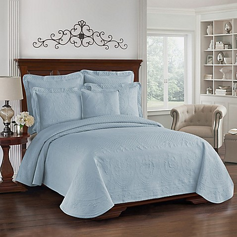 King Charles Matelasse Coverlet in Provincial Blue