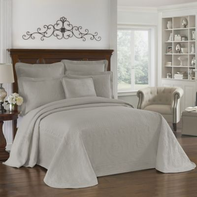 King Charles Matelasse Bedskirt in Fern