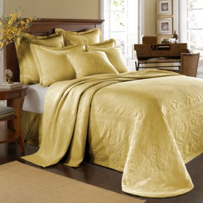 King Charles Matelasse Queen Bedspread in Sunshine