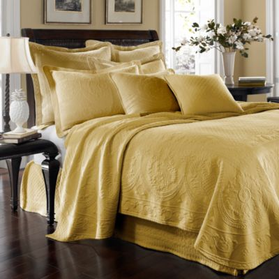 Sunshine King Charles Matelasse Coverlet in Sunshine