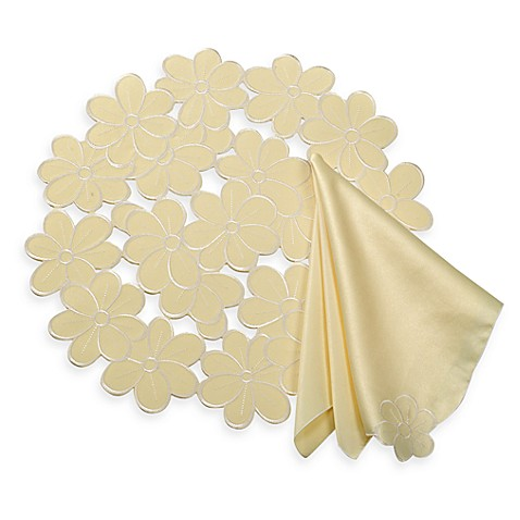 Daisy Scatter Placemat and Napkins