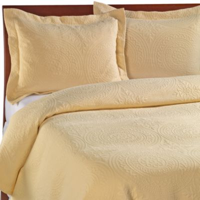 Vue Royal Medallion Matelasse Coverlet in Sunshine